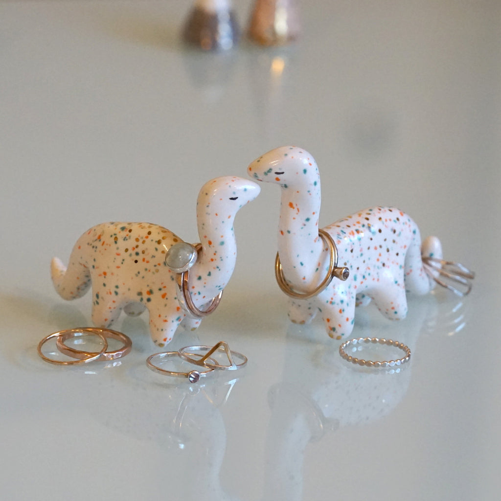 Brontosaurus Love Ring Holder Set