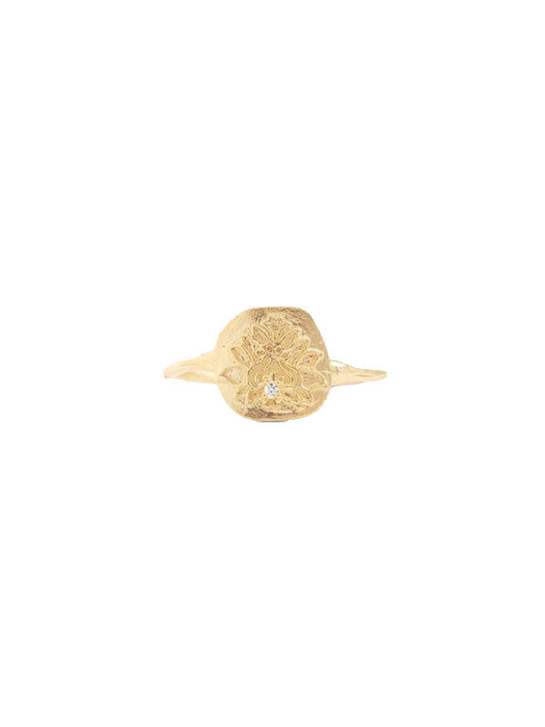 By Charlotte I Blessed Lotus Ring Gold I Perlu