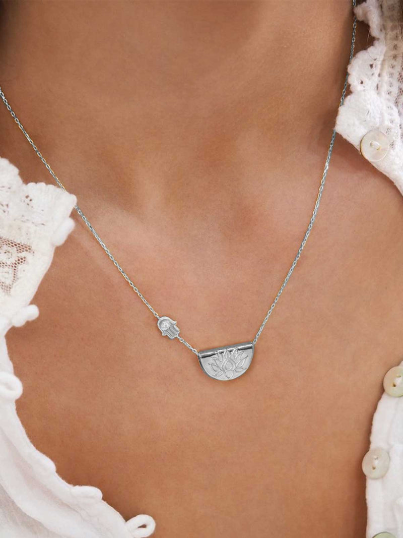 By Charlotte I Sacred Guardian Necklace - Silver I Perlu