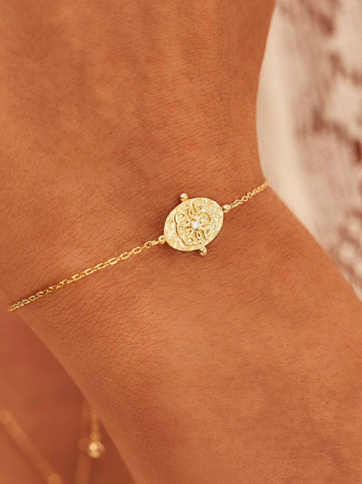 Gold Path of Life Bracelet Perlu