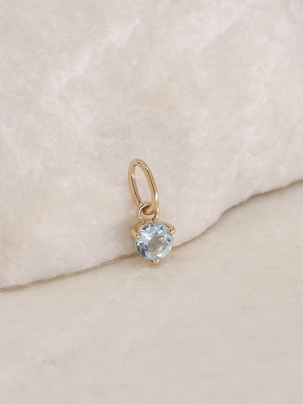 By Charlotte | 14K Gold March Birthstone Pendant | Perlu