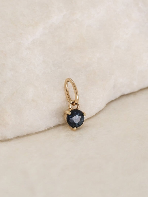 By Charlotte | 14K Gold September Birthstone Pendant | Perlu