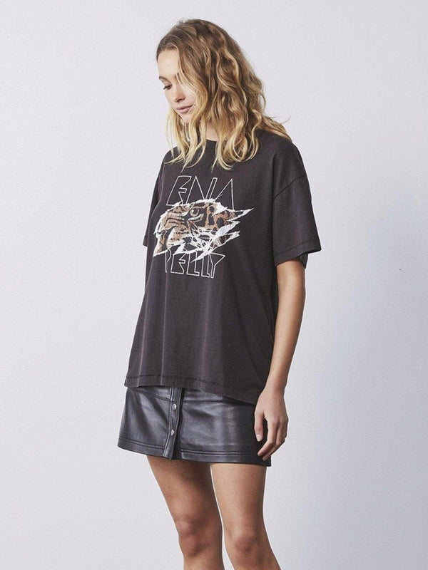 Ena Pelly Tigers Eye Tee Washed Black | Perlu