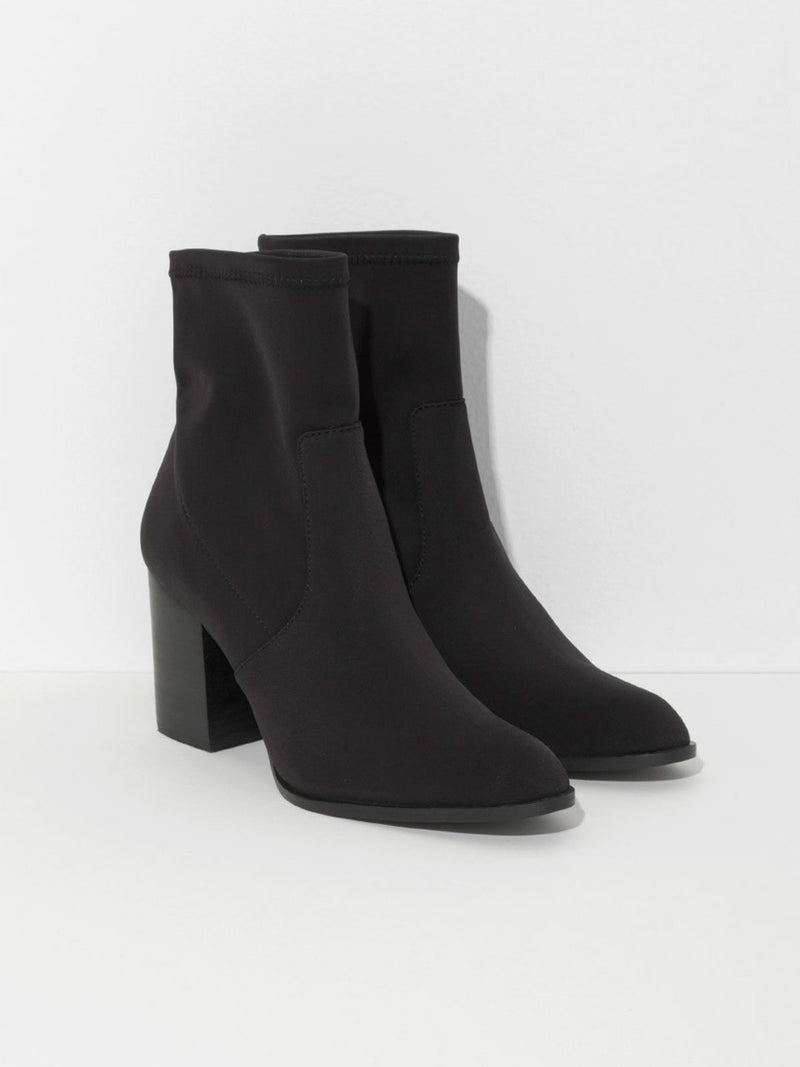 intentionally blank janet scuba boot in black