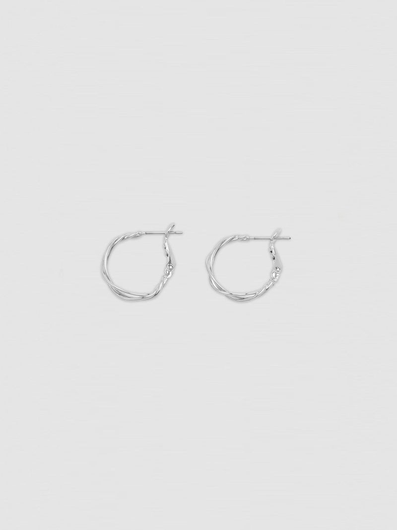Hoop earrings are here to stay  I Iris Hoops - Silver I Perlu