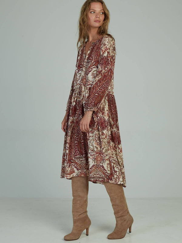 Lilya Natalia Dress Paisley Wine | Perlu