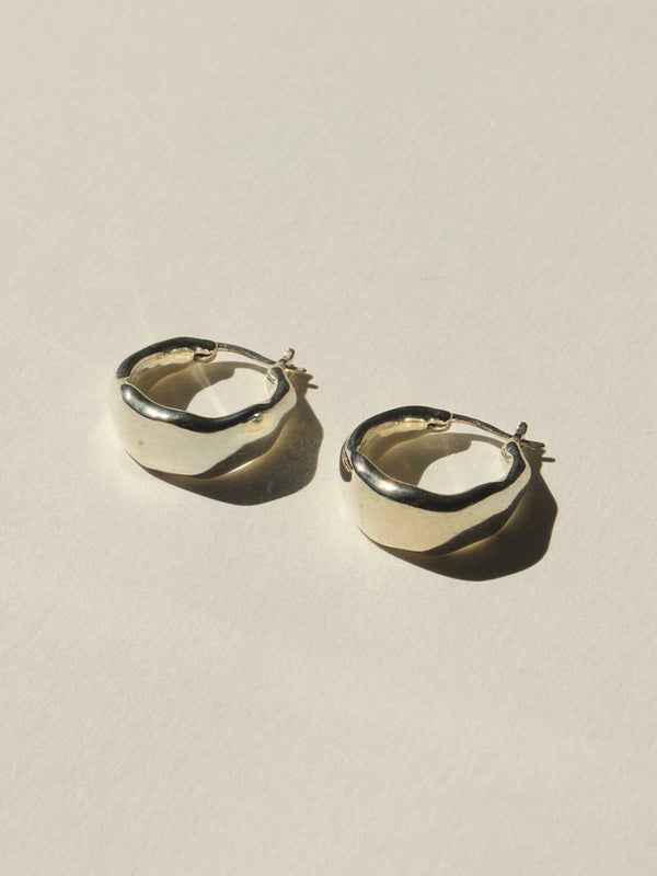 Brie Leon Curved Earrings Silver | Perlu