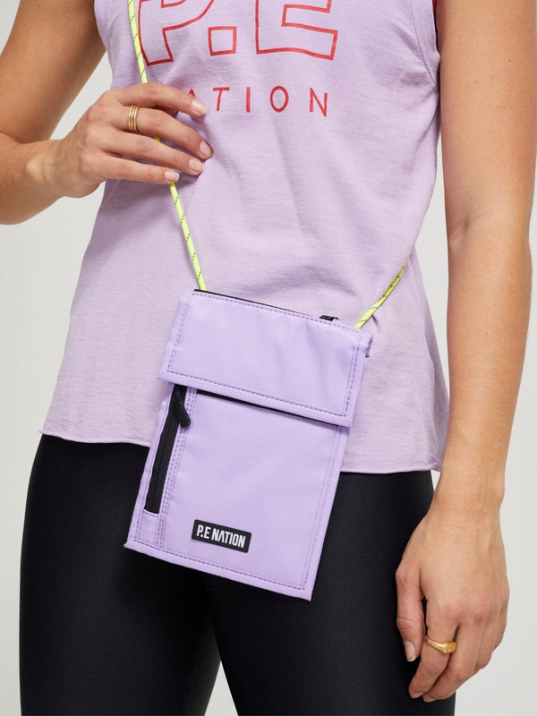P.E Nation Qualifier Logo Pouch Orchid Bloom | Perlu