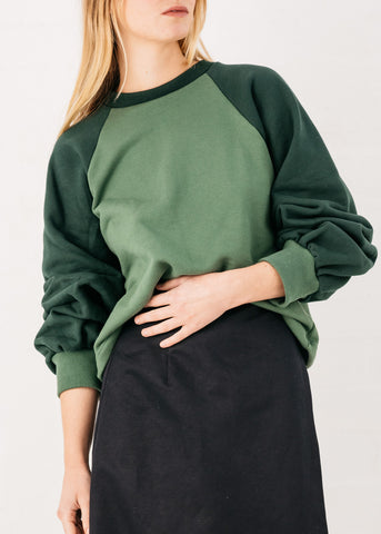 Duet Raglan Sweater in Forrest & Moss