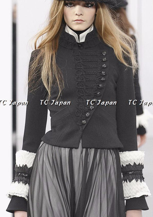 Chanel 09A Black Wool jacket Like new F46 シャネル ジャケット - シャネル TC JAPAN