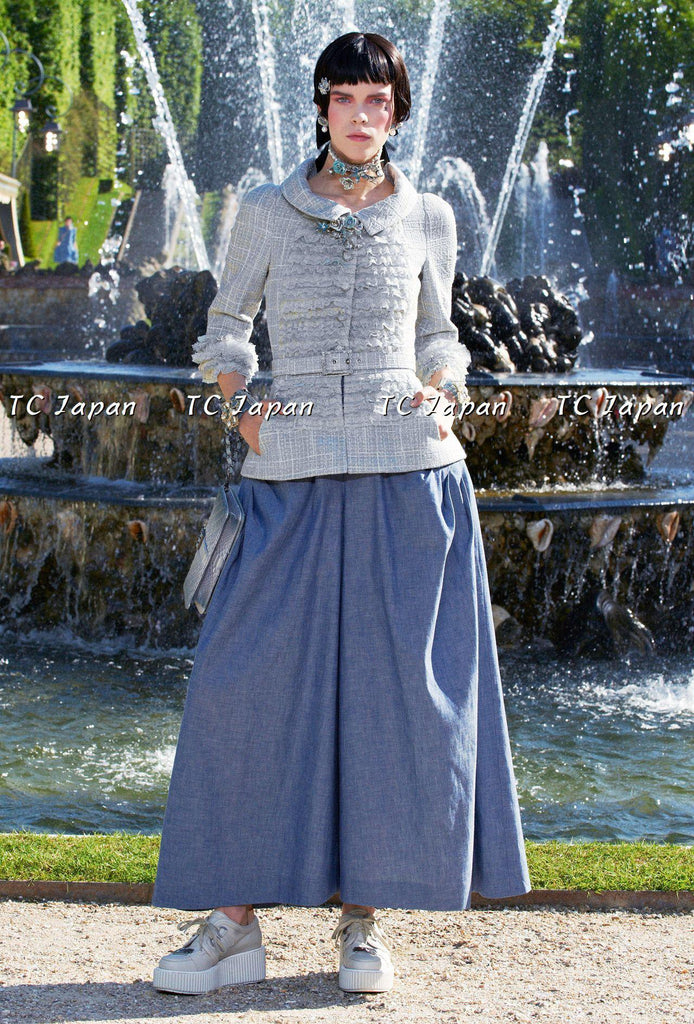 CHANEL 13C tweed ruffle front jacket skirt Blue suit 38 シャネル ジャケット&スカートスーツ - シャネル TC JAPAN