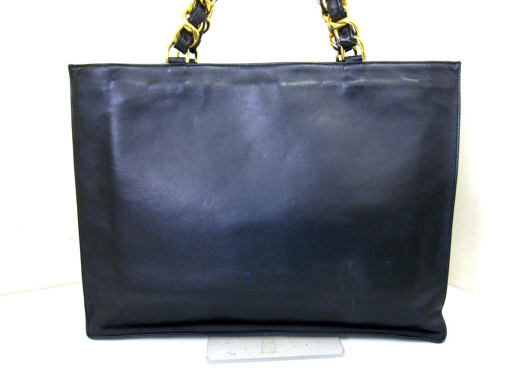 CHANEL Black Calfskin leather Chained shopping Tote Bag シャネル ブラック・チェーン・トートバッグ・ラムスキン 即発 - シャネル TC JAPAN