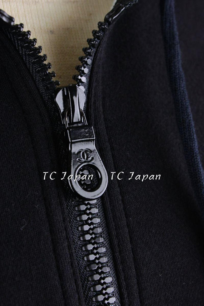 CHANEL 03S Black parka jacket with Hood Like New 38 シャネル フードパーカー - シャネル TC JAPAN