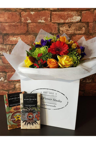 A Stunning Bouquet of your colour choice sent with Two Bars of Moreish Wellington Chocolate Factory