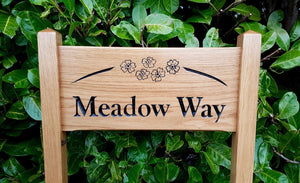 Medium Ladder Sign meadow way with an arched border and engraved daisys