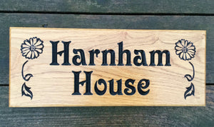 Small House Name Plate engraved with harnham house and daisy image FONT: VICTORIAN