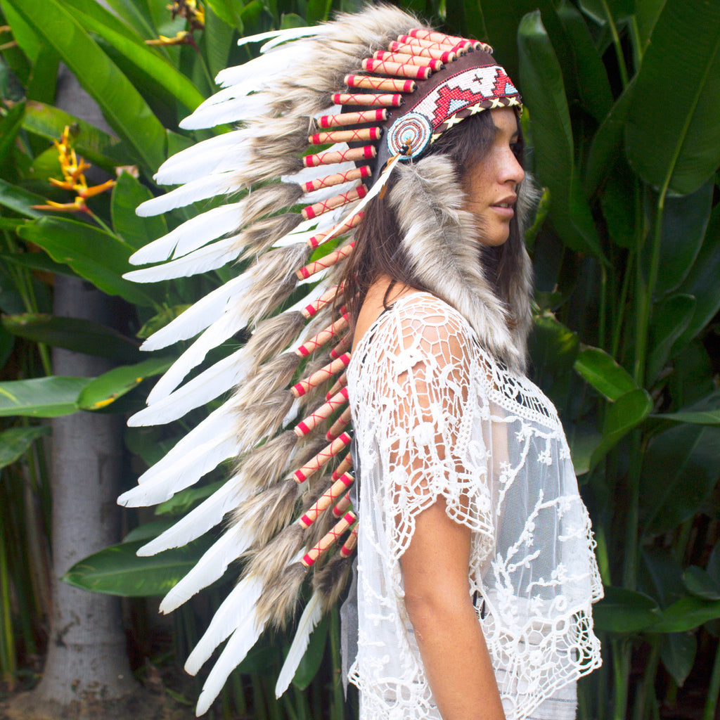 Long Indian headdress replica in Classic White with real duck feathers