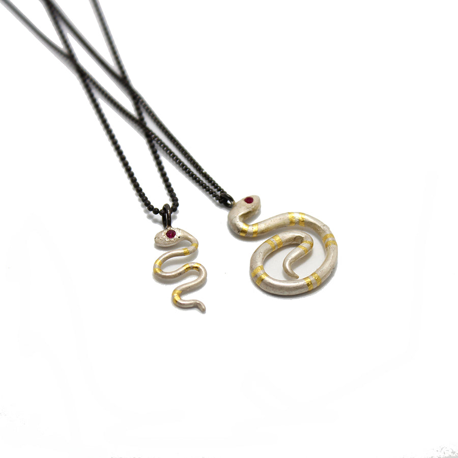 Acanthus White Snake Necklace