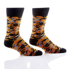 Blending In Men's Crew Socks