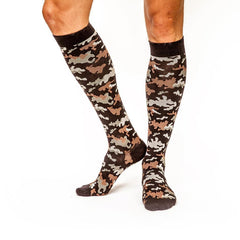 Can't Find Me Camo: Men's Knee-High Compression Socks on Model Side | Yo Sox