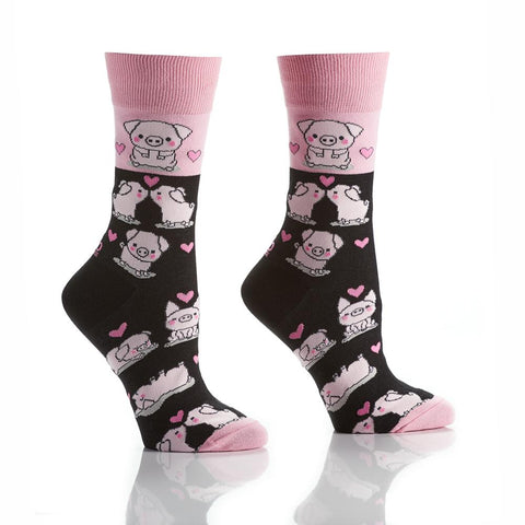 Oink-Kiss-Oink: Women's Crew Socks