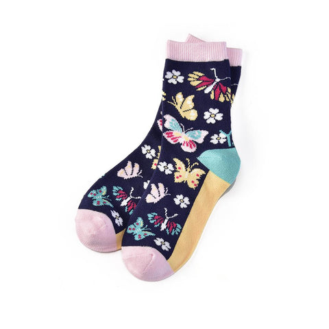 Butterfly Garden: Youth Socks (Age 7-10)