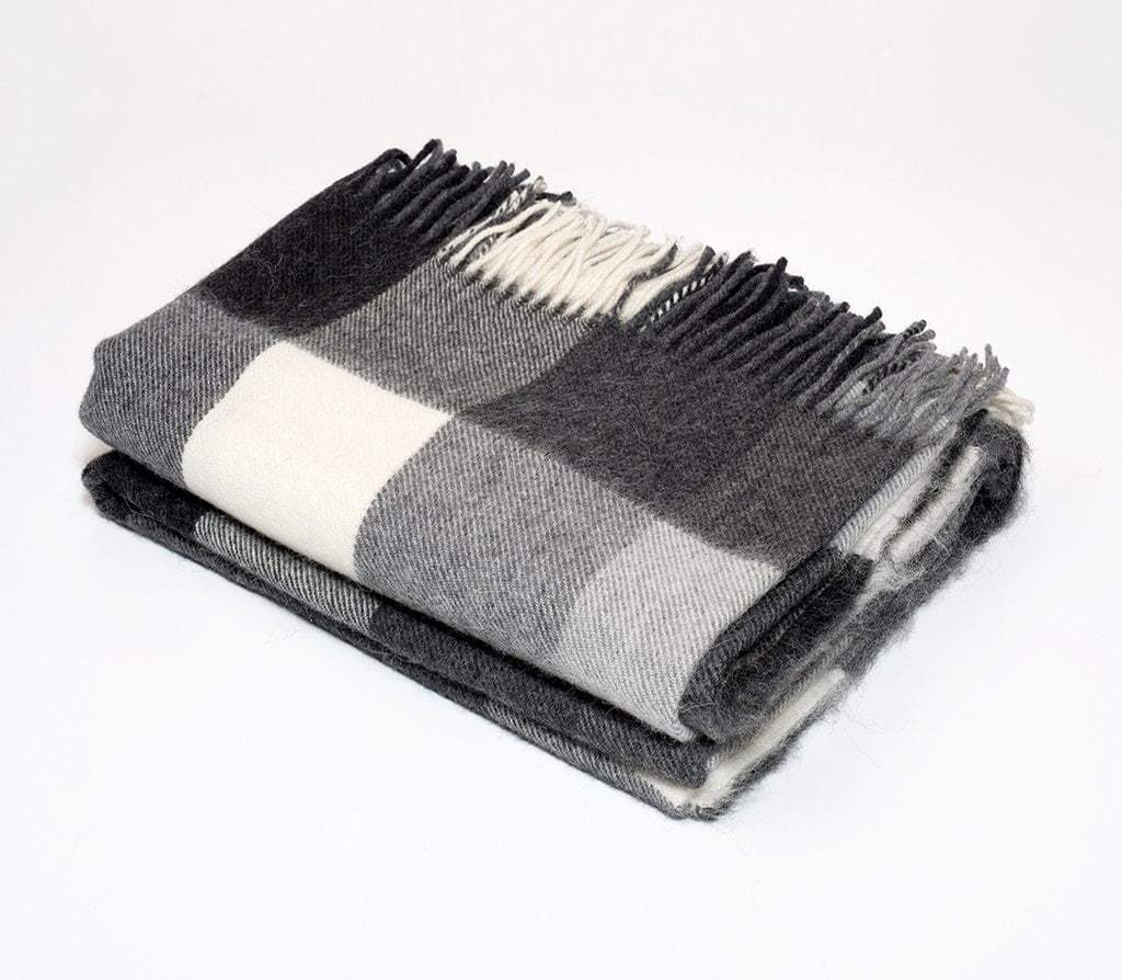 Harlow Henry Harlow Henry Alpaca Classic Check Throw Black Cream HHSCT06