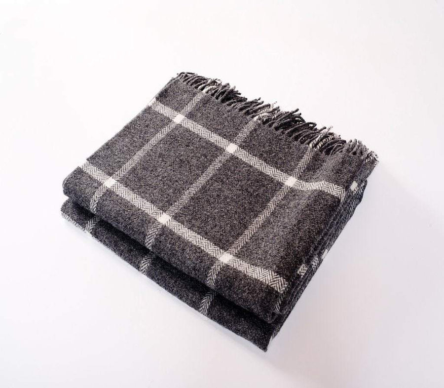 Harlow Henry Harlow Henry Windowpane Gray Throw HHSCT03