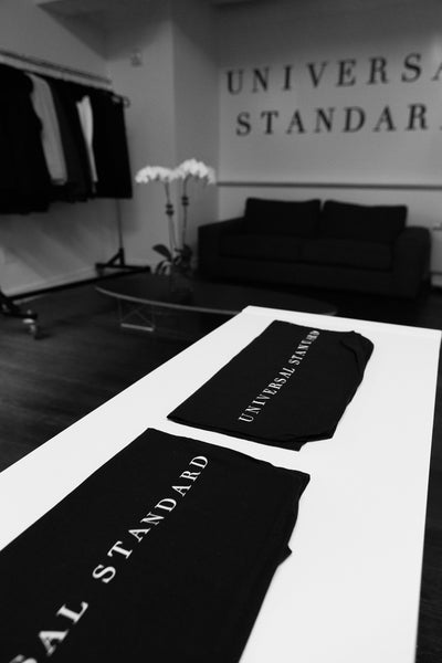 universal-standard-showroom-nyc-tote-bag-clothes