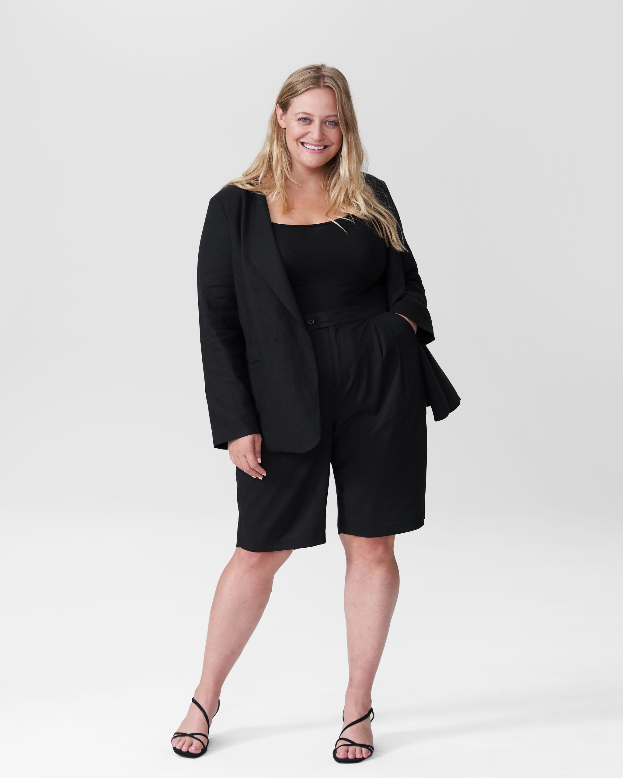 Paloma Linen Shorts - Black