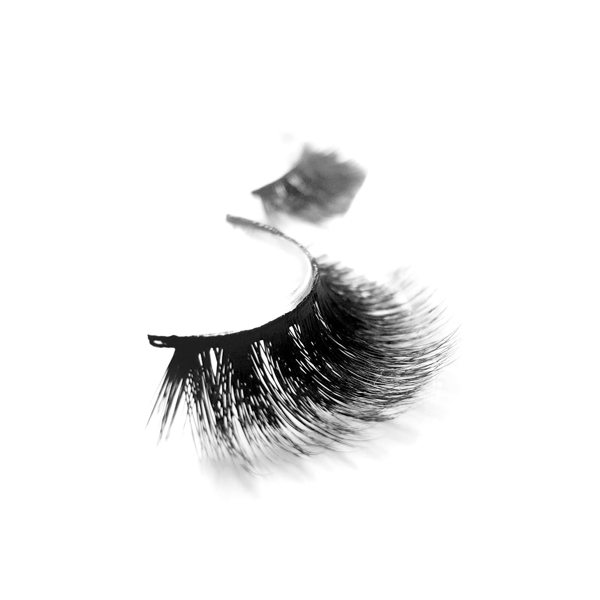 KASINA Mink Lashes 010.  B2st - Recommended by Professional Makeup Artists.