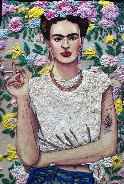 Web adores this Frida Kahlo's  T-shirt on relief