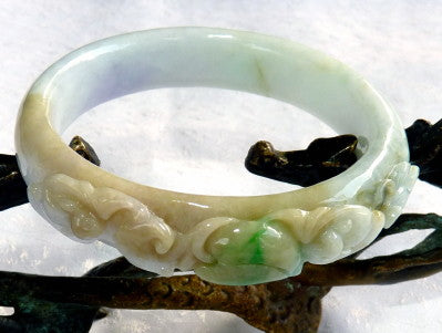 """Bat Cherishes Fruit and Flowers"" Burmese Jadeite Vintage Bangle Bracelet 55 mm (BB2975)"