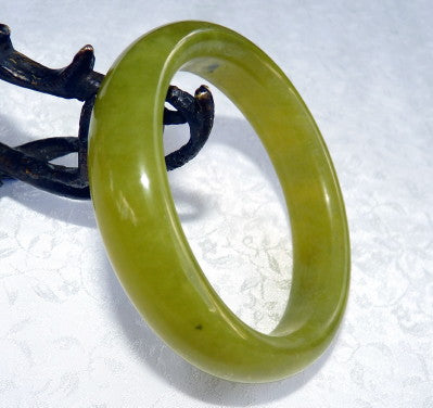 """Green Earth"" Chinese Jade Bangle Bracelet 61 mm (NJ-2578}"