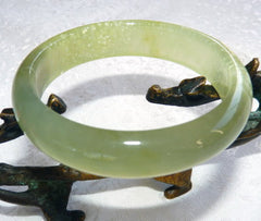 """Soothe Your Soul"" Chinese Jade Bangle Bracelet 60 mm (NJ2589)"
