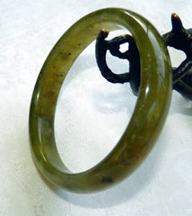 """Peppery Green"" Chinese River Jade Bangle Bracelet 53.5 mm (NJ2602)"