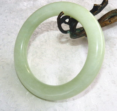 """Glowing"" Classic Round Traditional Chinese Jade Bangle Bracelet 65mm (NJRJ106)"
