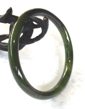 Vintage Pre-Owned Classic Round Jadeite Bangle 56mm (TI-1283)