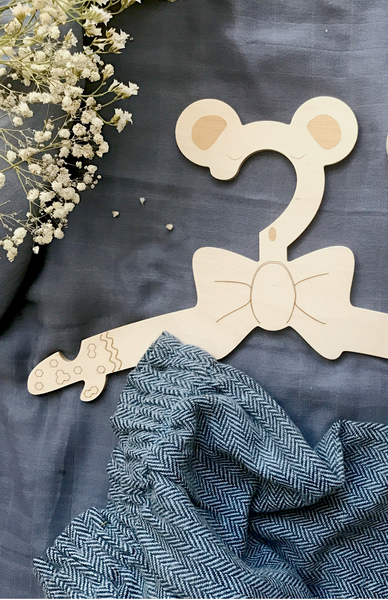 Mr Bear Clothes hanger