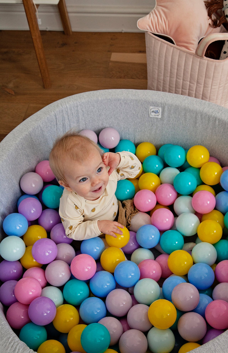 Mini Be Ball Pit - Pastel Rainbow