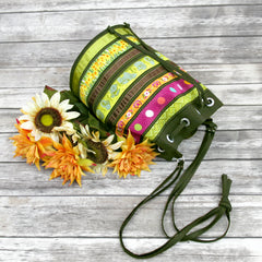 Full picture Tutorial: Ribbon Wrapped Bucket Bag by Sew4Home