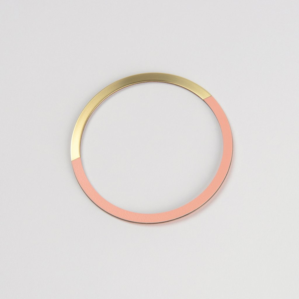 Form Circle Bangle Brass/Blush