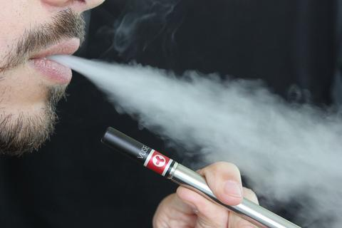 Tutorial: How To Charge Your Vuse Electronic Cigarette – Breazy