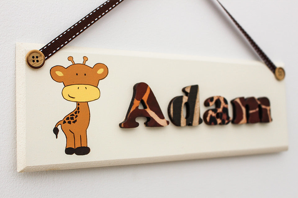 Giraffe illustrated jungle plaque