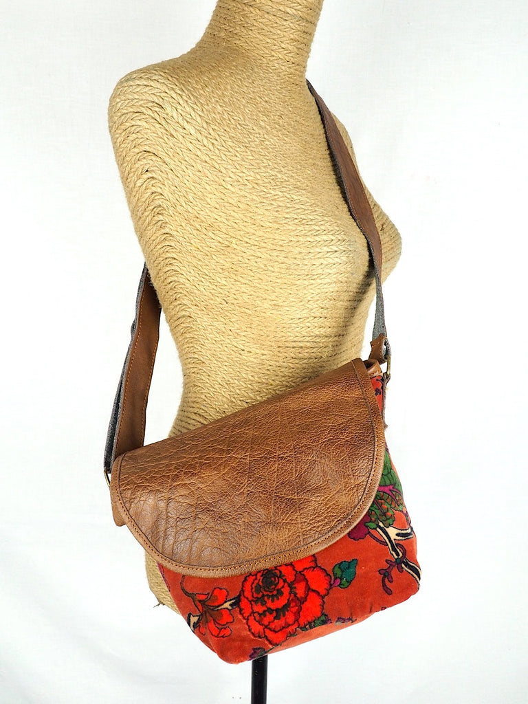 A Velvet Shoulder Bag Burnt Orange