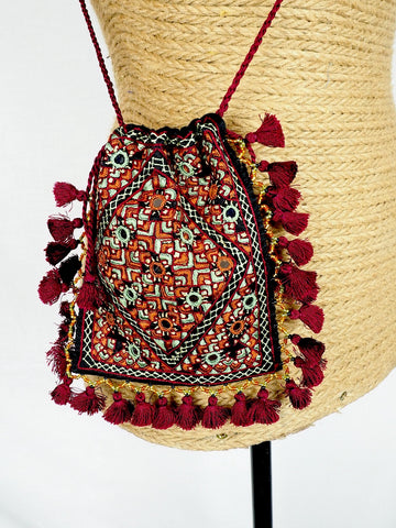 Embroidered Purse 02