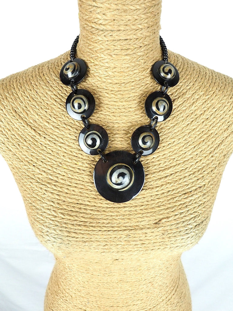 Tribal Necklace 02