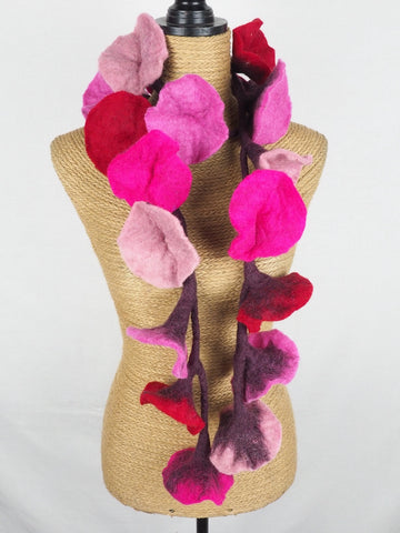 Flower Garland Pinks