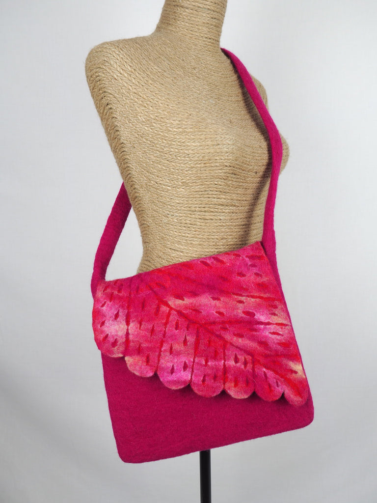 Leaf Shoulder Bag Cerise