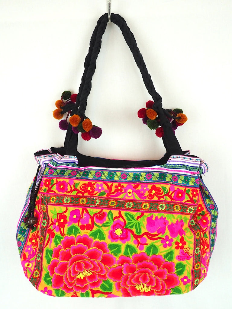 Embroidered Shoulder Bag 01